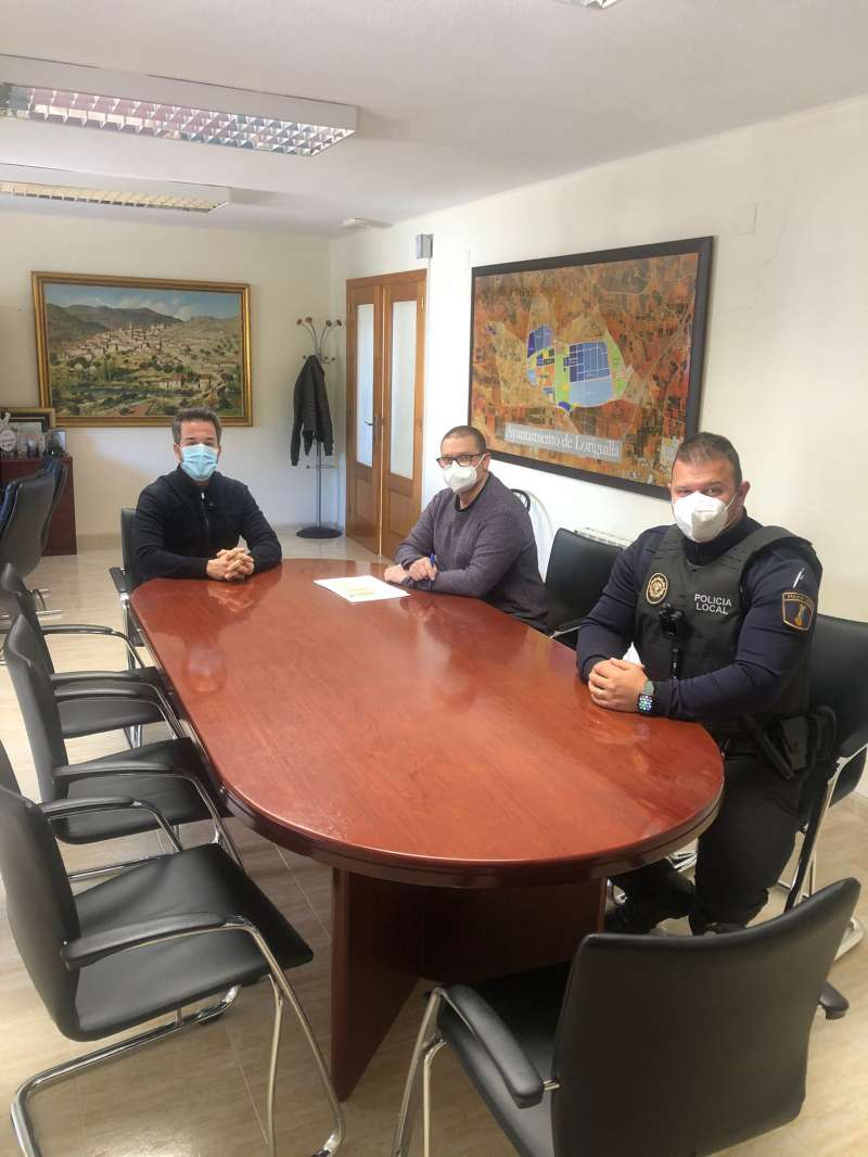 Reunión con el jefe de la Policía Local. EPDA.