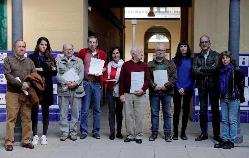Seis víctimas de la represión franquista presentan sendas querella en los juzgados por detención y torturas sufridas en 1975, durante los últimos meses del franquismo, en dependencias de la Jefatura Superior de Policía y de la Guardia Civil. EFE/Manuel Bruque