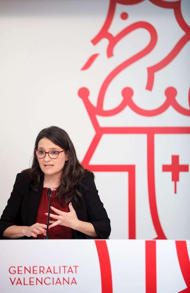 La vicepresidenta y Portavoz del Gobierno valenciano, Mónica Oltra, durante la rueda de prensa posterior al Pleno del Consell.