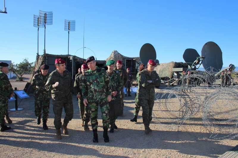 El Jefe de Estado Mayor del Ejército preside el acto de relevo del segundo jefe del Cuartel General de la OTAN en Bétera