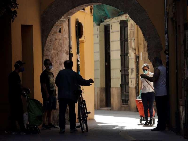 Con una tendencia positiva en los datos sanitarios del coronavirus, la Comunitat Valenciana cree que está en condiciones de cumplir las fases de la desescalada y empieza a pensar ya en la reconstrucción. EFE