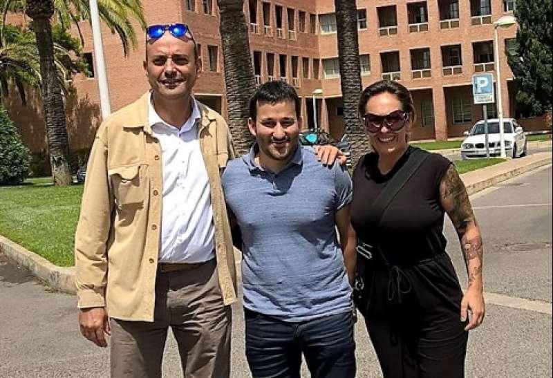 Foto: Concejal Pedro Gallén, Conseller Vicent Marzä y AMPA Rebeca Villena. EPDA