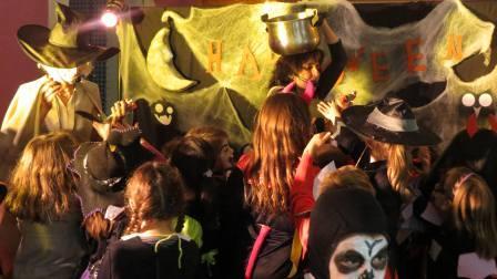 Celebración de la fiesta de Halloween de El CIJ (Centro de Información Juvenil) en El Puig, el pasado jueves. Foto: EPDA