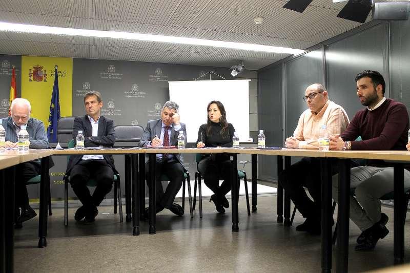Reunión del PSPV de Sagunt y de los vecinos de Almardà con los técnicos de Costas. EPDA