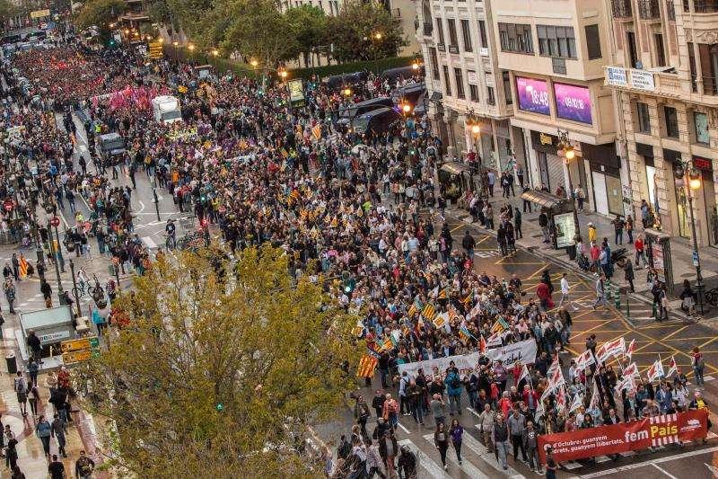 Desarrollo de una de las manifestaciones que recorrió el centro de València el pasado mes de octubre. EFE/Archivo