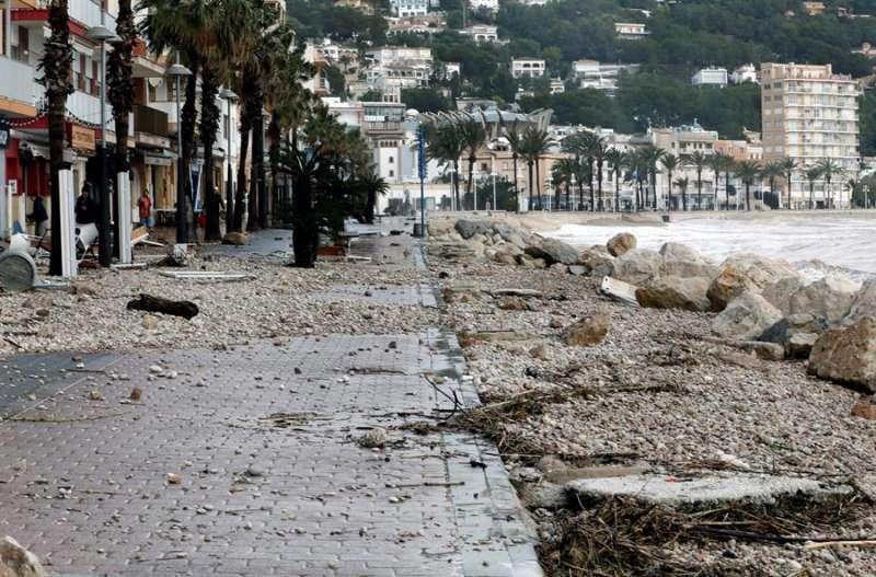 Desperfectos causados por el temporal Gloria en la localidad alicantina de Xàbia esta semana. EFE/Juan Carlos Cárdenas