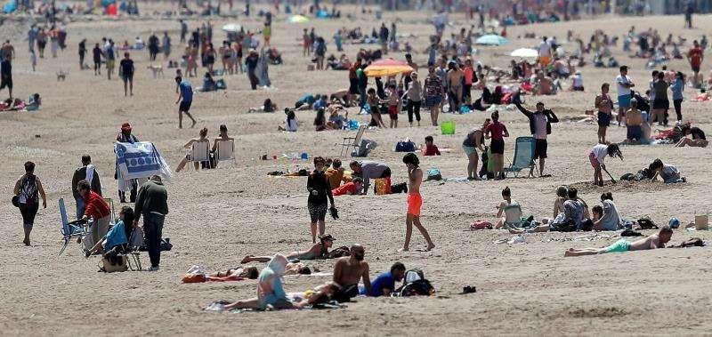 Imagen de archivo de una playa valenciana. EFE/Archivo