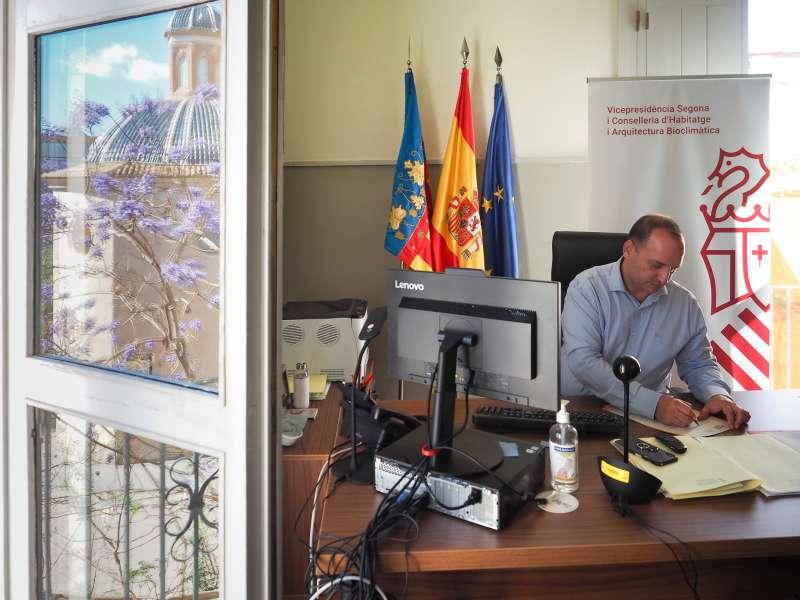 El conseller de Vivienda y Arquitectura Bioclimática, Rubén Martínez Dalmau. / EPDA
