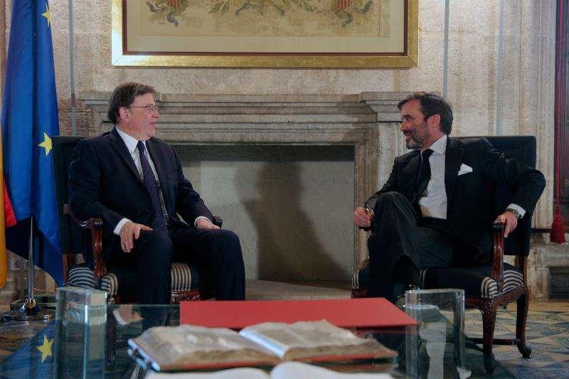 El president de la Generalitat, Ximo Puig (i) , recibe al embajador representante permanente de España ante la Unión Europea, Pablo García-Berdoy. EFE