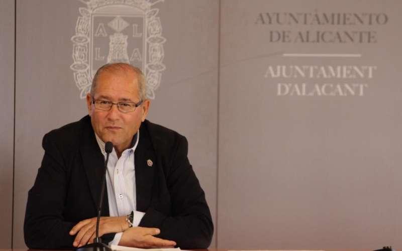 El concejal de Infraestructuras, José Ramón González. EPDA