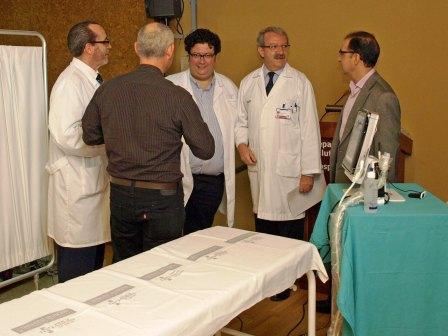 Los doctores Mirallas y Pérez en un momento de la inauguración. Foto EPDA