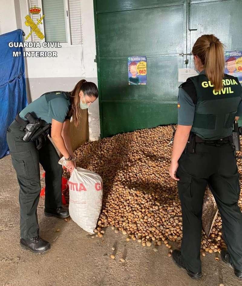 Se han recuperado dos toneladas de almanedras