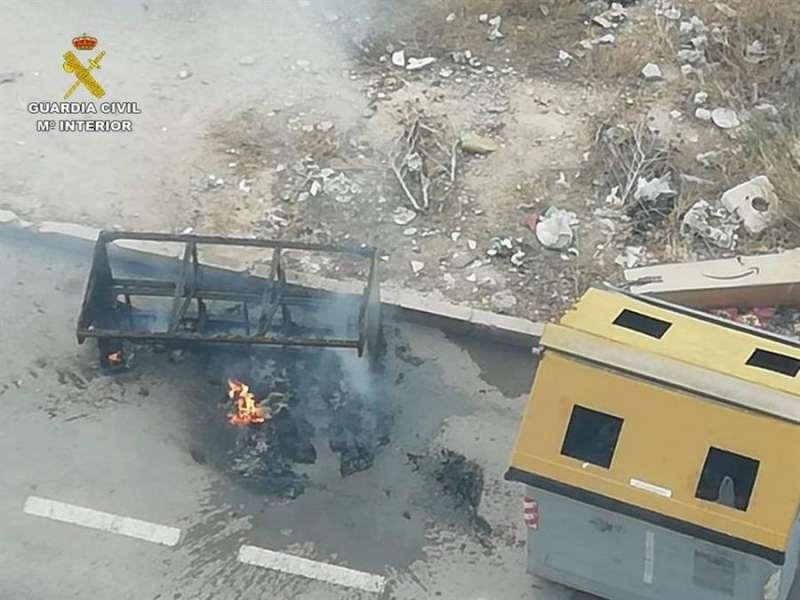Imagen de los daños provocados en una fotografía facilitada por la Guardia Civil de Alicante. EFE
