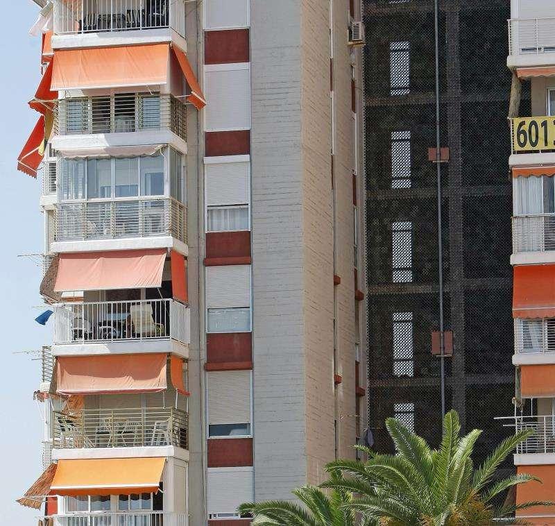 Bloque de apartamentos en la provincia de Alicante. EFE/Archivo