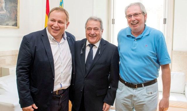 El presidente Rus junto al diputado Orengo y el alcalde de Picanya. FOTO: DIVAL
