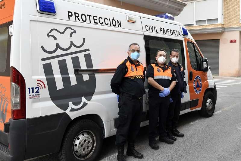Varios voluntarios de Protección Civil.EPDA
