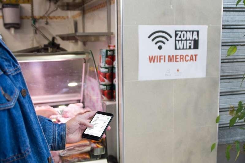 Zona wifi al mercat municipal. EPDA