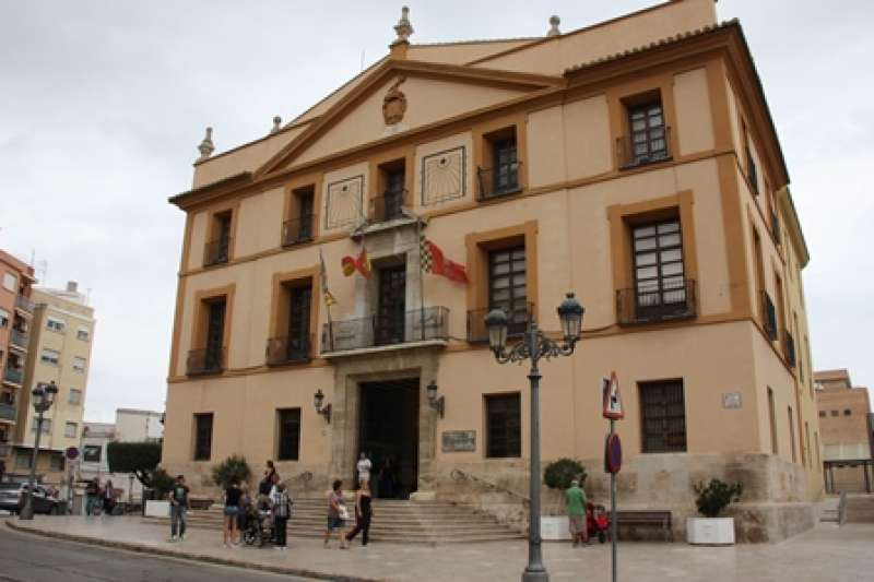 Fachada del Consistorio de Paterna. EPDA