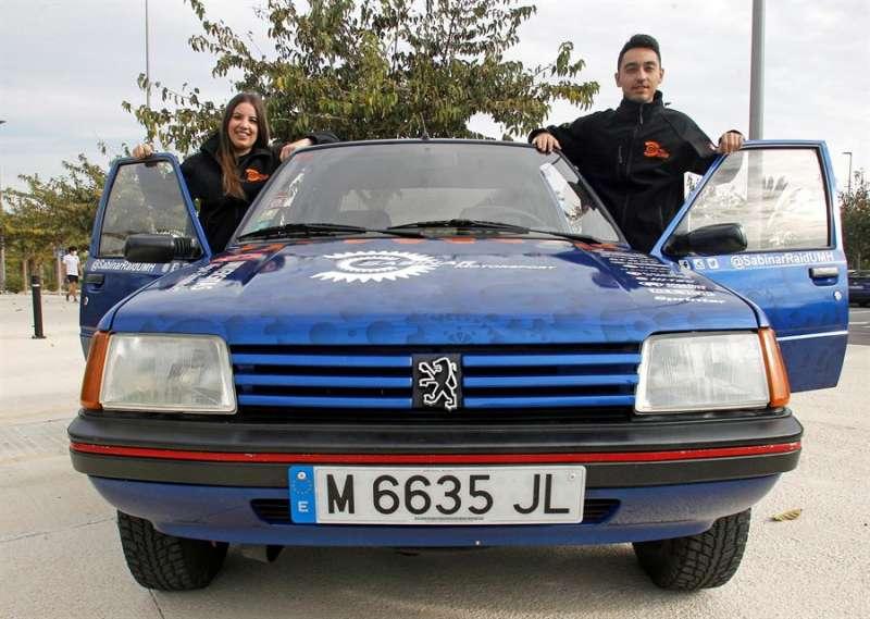 Ana Ramos y Borja Gallud forman el equipo Sabina Raid UMH de la Universidad Miguel Hernández de Elche (Portugal).-EFE/MORELL