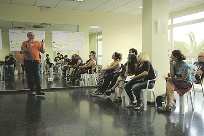 Participantes en el proceso participativo abierto en Museros. EPDA