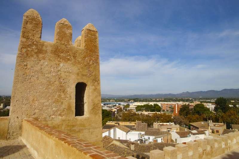 Detalle de las almenas del castillo. / EPDA