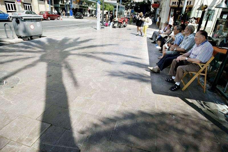 Paseo de la Explanada de Alicante, frecuentada por los vecinos de la ciudad. EFE/Archivo