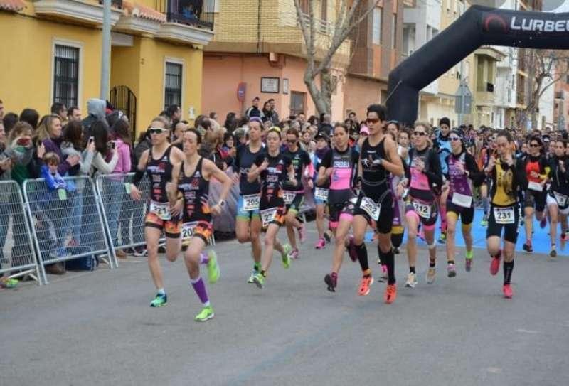 Una carrera recorre las calles de Massalfassar