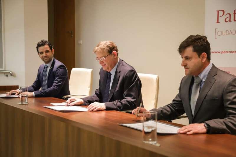 El alcalde de Paterna, el president de la Generalitat Valenciana y el presidente de la Entidad de Conservación Parc Tecnològic.