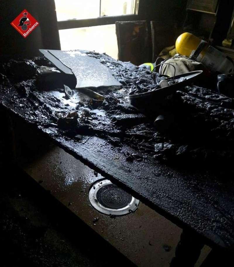 El brasero que supuestamente ha causado el fuego, en una imagen compartida por los Bomberos.