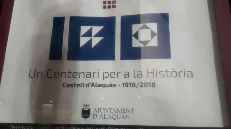Fotografía del logotipo del centenario del nombramiento del Castell de Alaquàs. EPDA