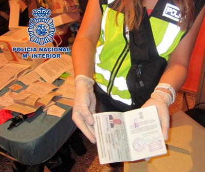 Material decomisado por el policía