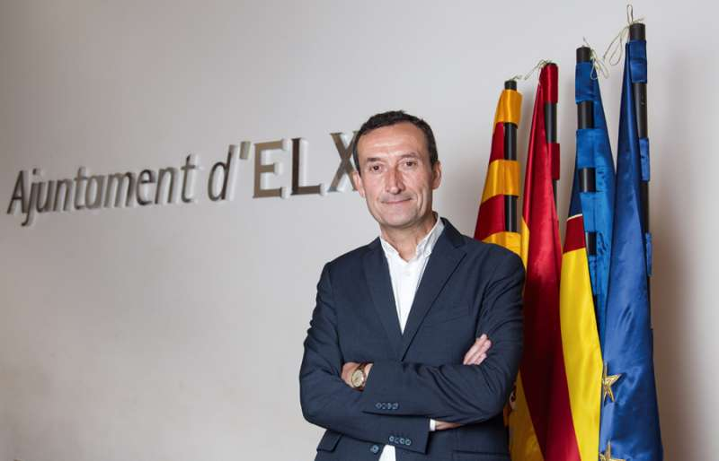 Carlos González, alcalde de Elche