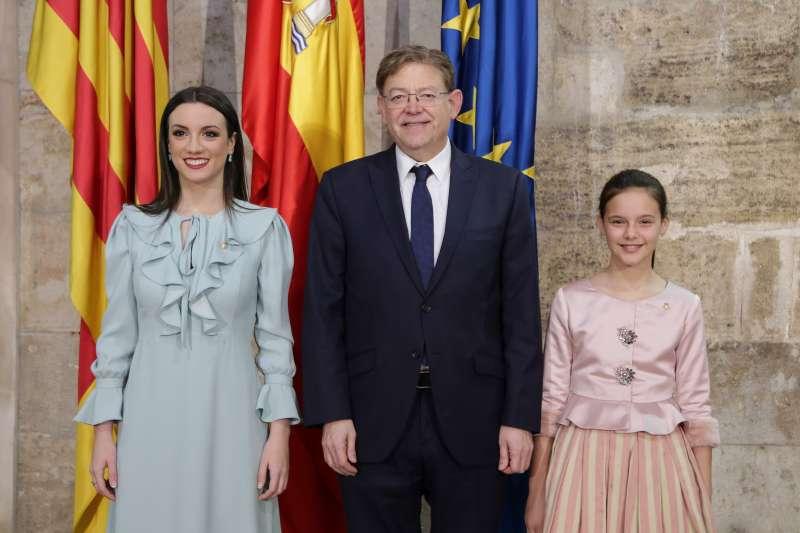 Puig amb les reines de Castelló. EPDA