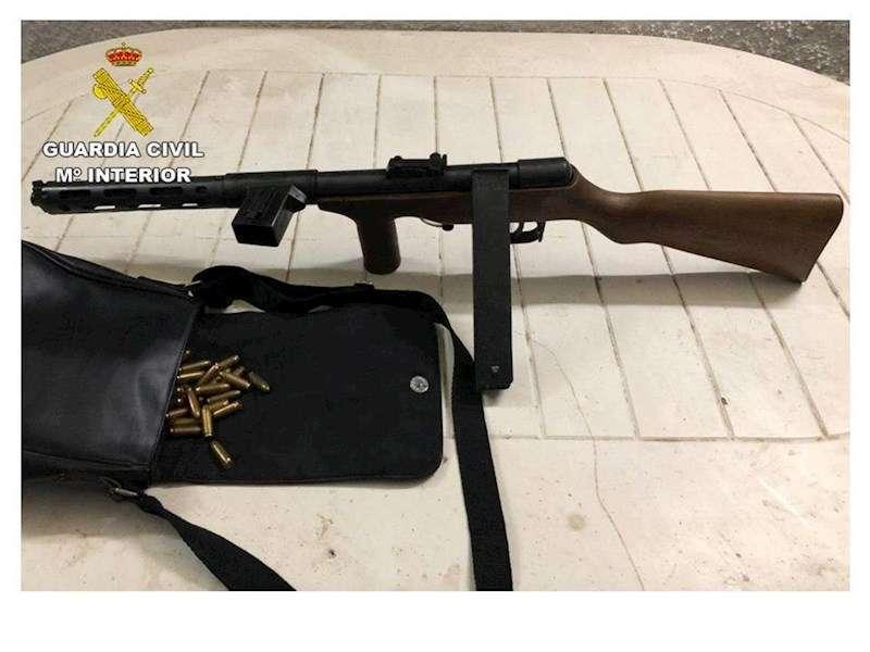 Una imagen del arma incautada, facilitada por la Guardia Civil. EFE
