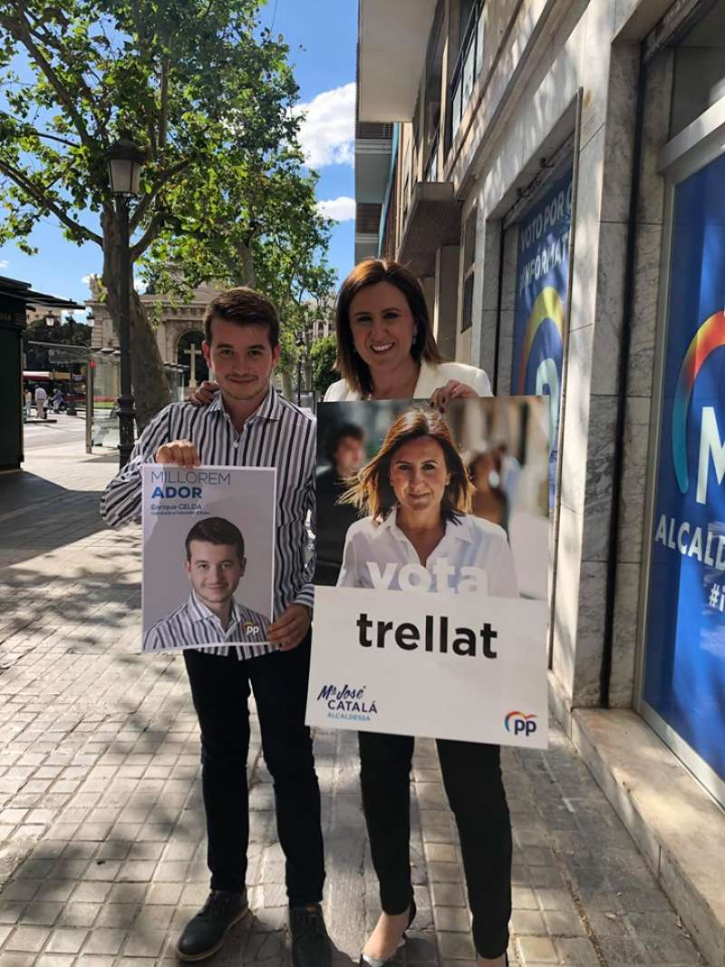 Kike Celda junto a Maria José Catalá.FOTO FACEBOOK