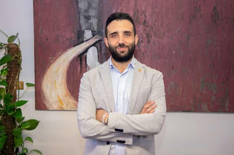 El alcalde de Sagunt y reponsable del área de Igualdad, Darío Moreno.