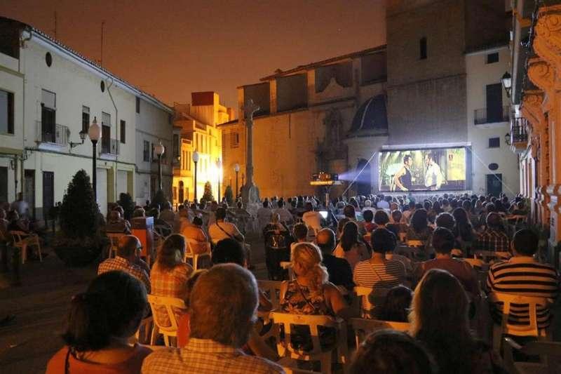 Cinema nit a la Plaça