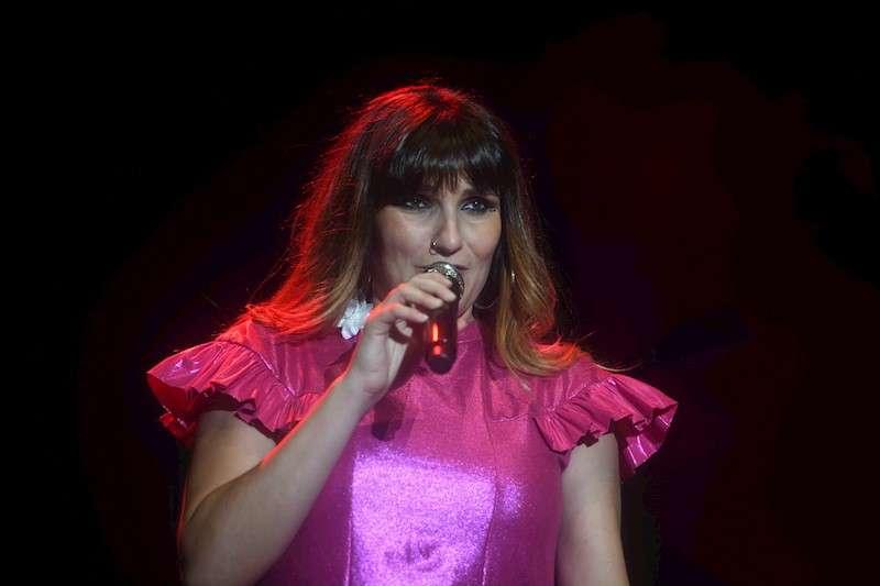 La cantante Rozalén durante un concierto. EFE/Archivo