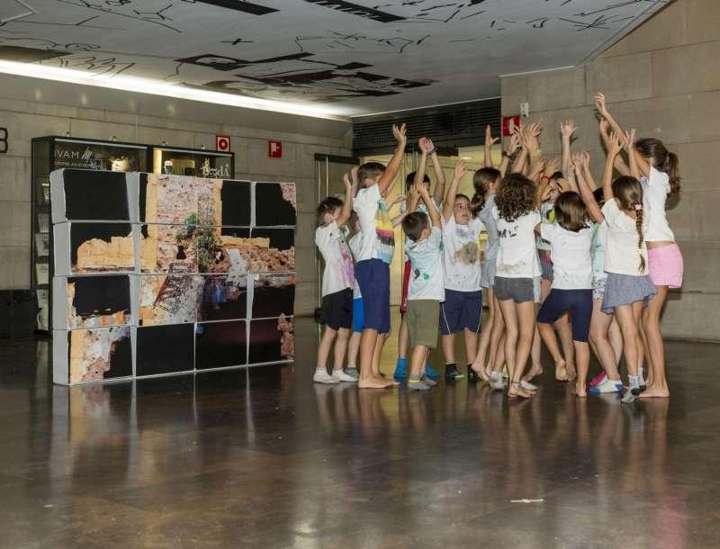 Actividad para niños en el IVAM. EPDA