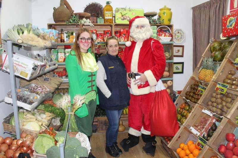 Papa Noel en un comercio de Almàssera