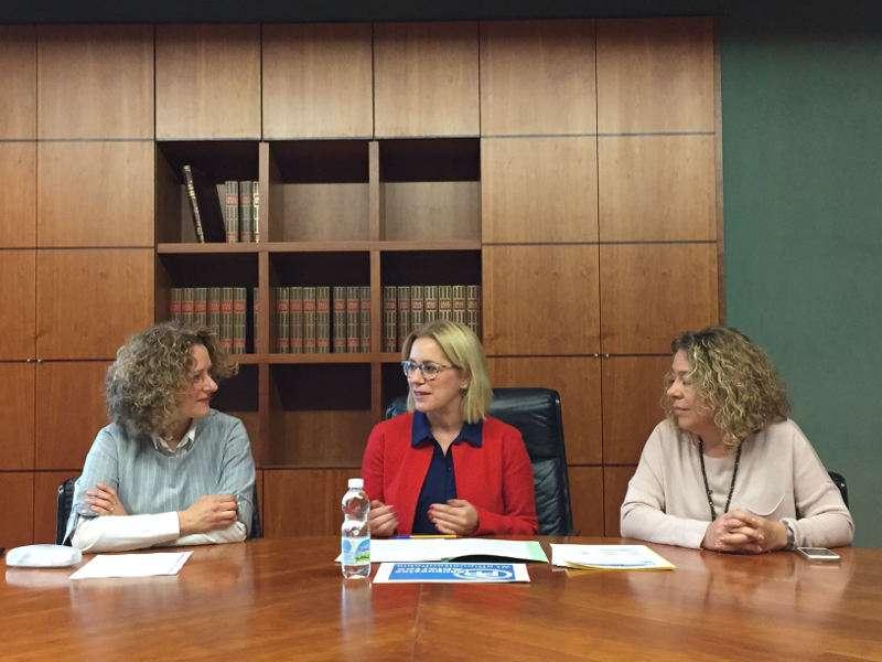 La portavoz del Partido Popular en la Diputación, Mari Carmen Contelles, junto a la presidenta comarcal del PP en l?Horta Sud, Reme Avia y la portavoz del PP en Torrent, Amparo Folgado. EPDA