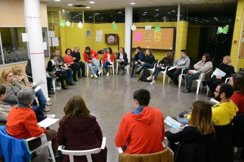 Reunió informativa amb entitats locals per a presentar-los el projecte de Joventut de Paiporta. EPDA