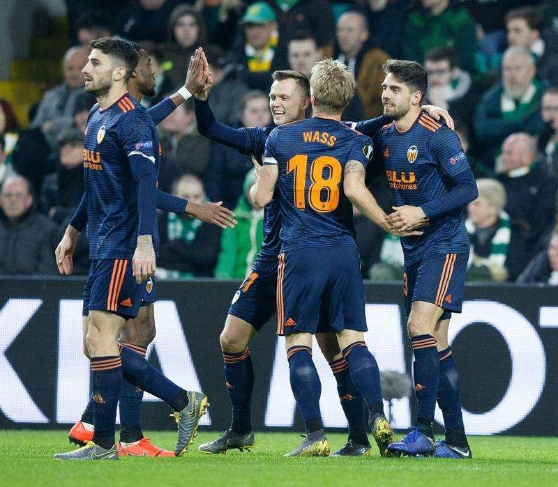 Ruben Sobrino del Valencia CF celebra el gol conseguido. EFE