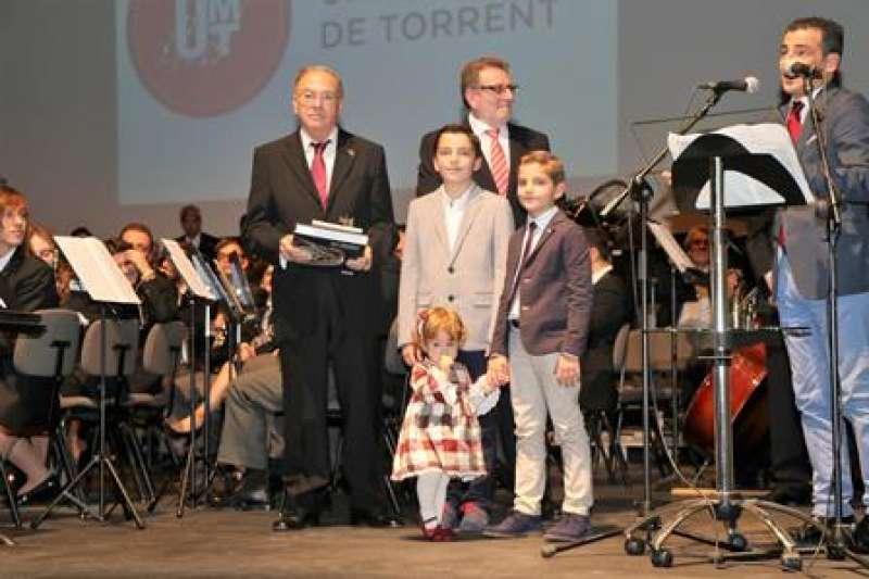 Homenaje a Ricardo Yago. EPDA