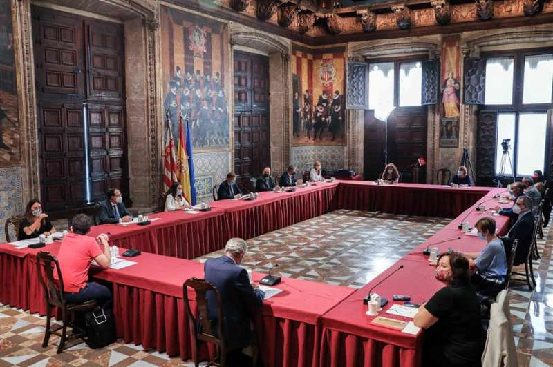 Reunión de la Mesa de Diálogo Social de la Comunitat Valenciana. EFE