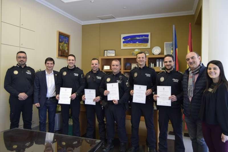 Agentes de la Policía Local de Burjassot reconocidos.
