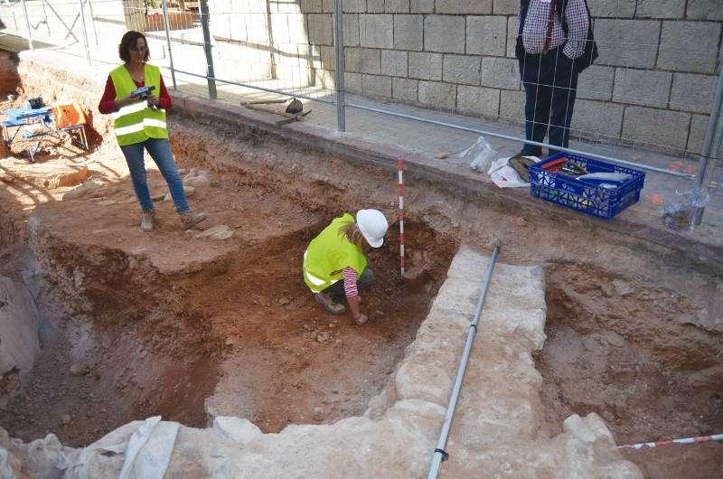 Excavaciones en la calle Valencia de Sagunt. EPDA