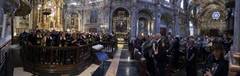Panoramica iglesia San Nicolas durante concierto Coros Colegios de Médicos España