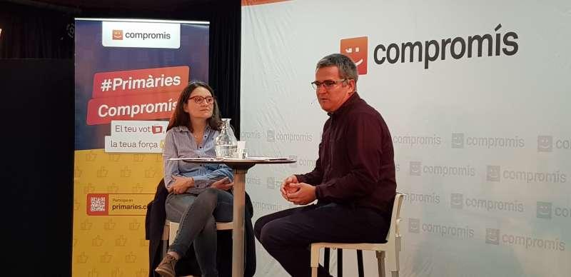 Mónica Oltra amb Ricard Barberà presentando su candidatura