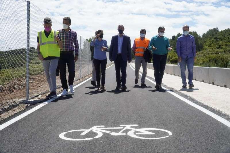 Vilafamés auGmenta la movilitat sostenible amb un tram de carril bici /EPDA